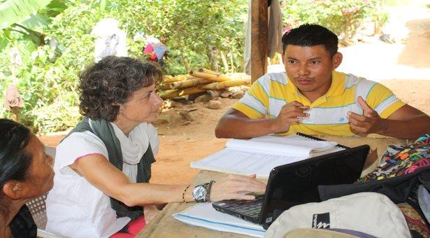 Documentación y descripción de diferentes variedades de pesh, lengua chibcha de Honduras